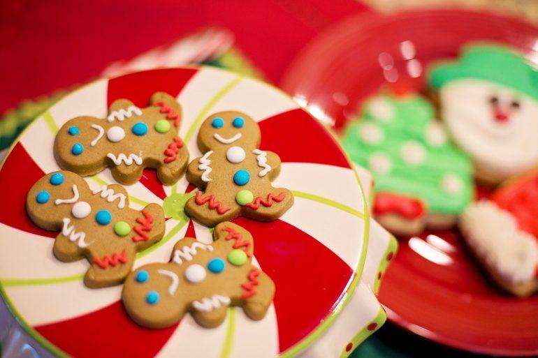 gingerbread-cookies Χριστουγεννιάτικα μπισκότα