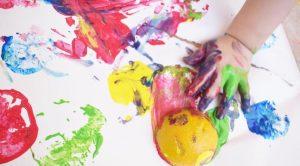 ζωγραφίζουμε με φρούτα